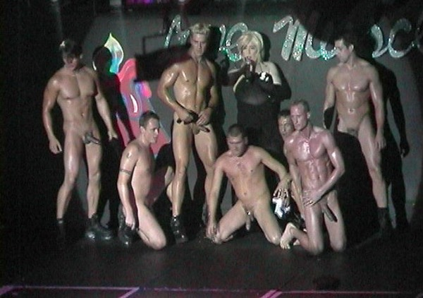 hot-male-strippers-naked